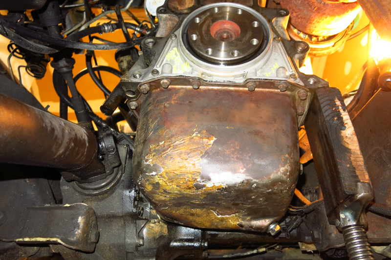 Oil pan and rear main seal installed.