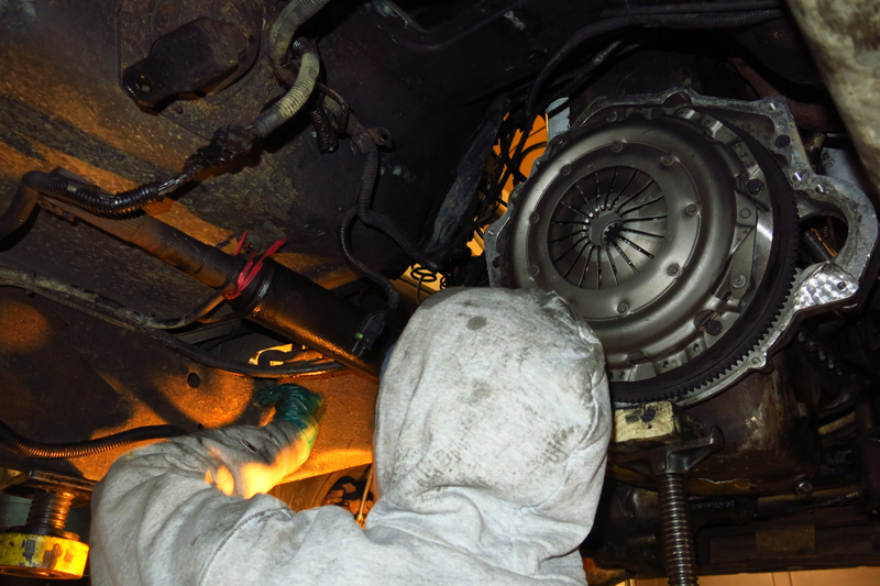 Clutch installed and ready to put the transmission back in place.